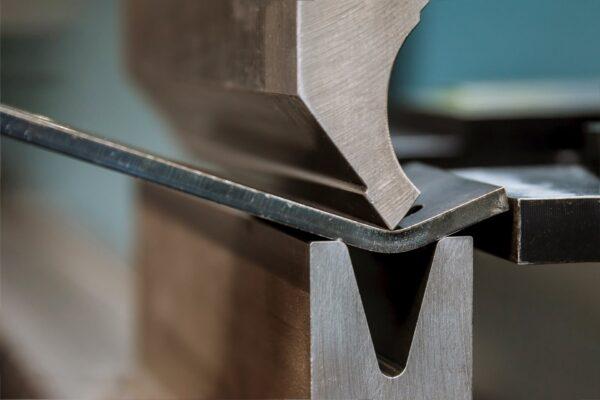 Gięcie stali CNC
